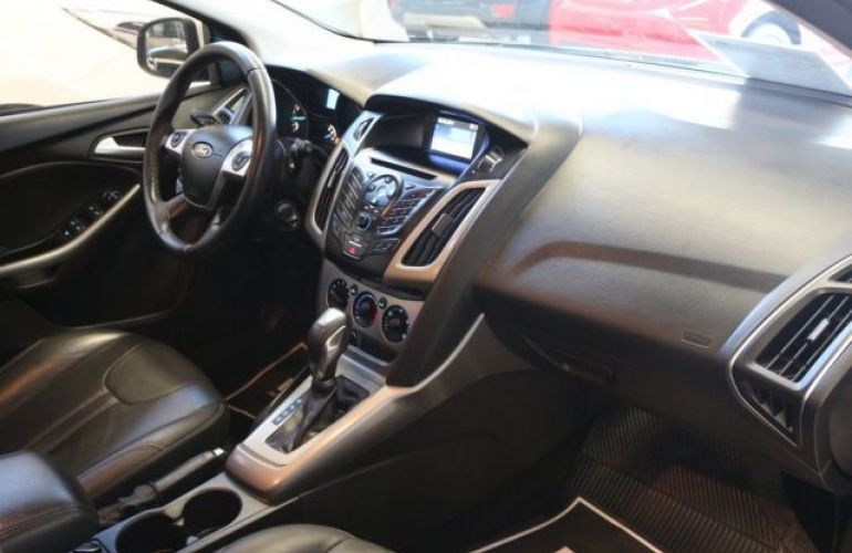 Ford Focus SE 1.6 PowerShift - Foto #9