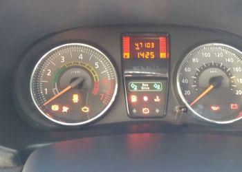 Renault Clio Expression 1.0 16V (Flex) - Foto #4