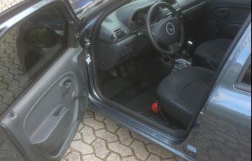 Renault Clio Expression 1.0 16V (Flex) - Foto #9