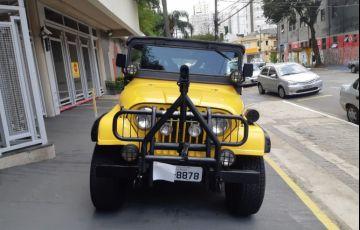 Jeep Wrangler 4.0 V6 (teto lona)