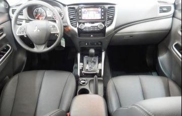 Mitsubishi L200 Sport HPE 4X4 Cabine Dupla 2.4 Turbo Diesel 16V - Foto #10