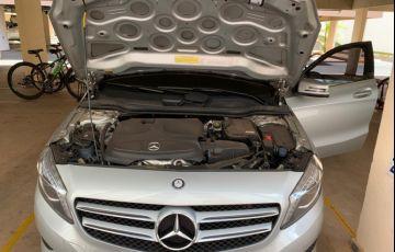 Mercedes-Benz Classe A 200 Urban 1.6 DCT Turbo - Foto #2