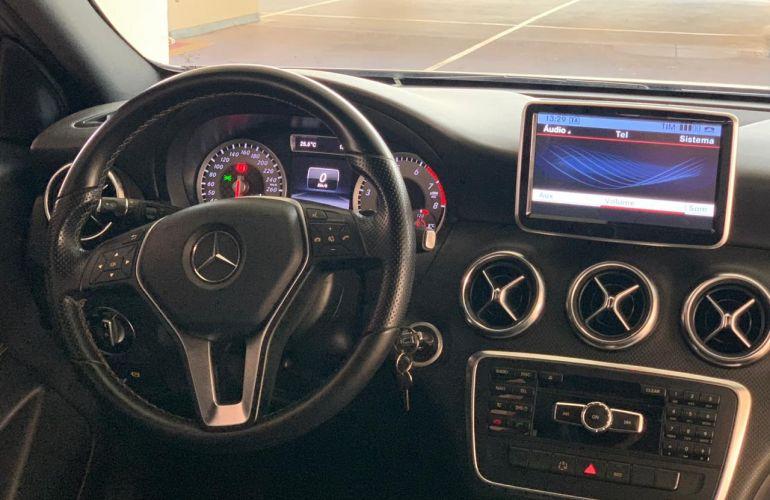 Mercedes-Benz Classe A 200 Urban 1.6 DCT Turbo - Foto #4