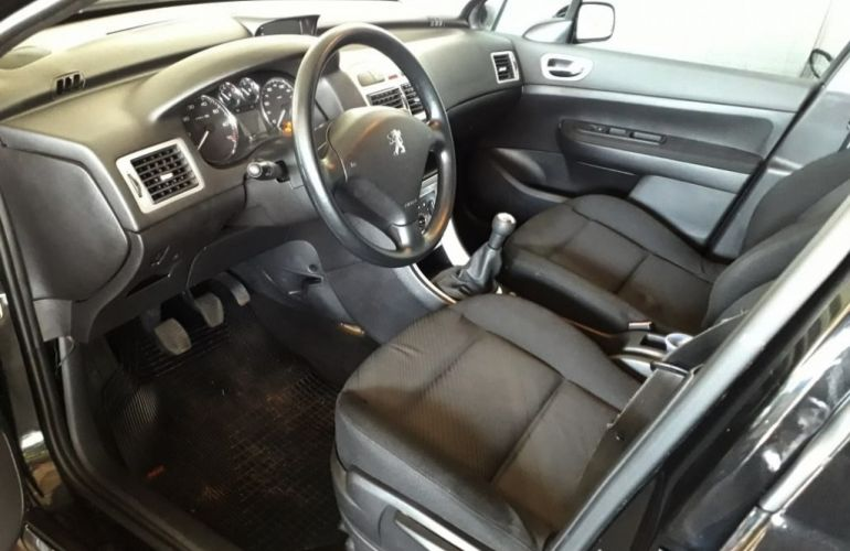 Peugeot 307 Sedan Presence 1.6 16V (flex) - Foto #6