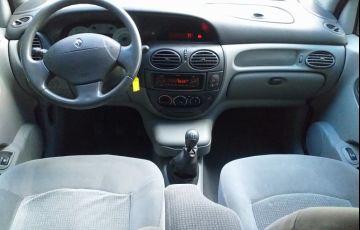 Renault Scénic Privilège 1.6 16V (flex) - Foto #9