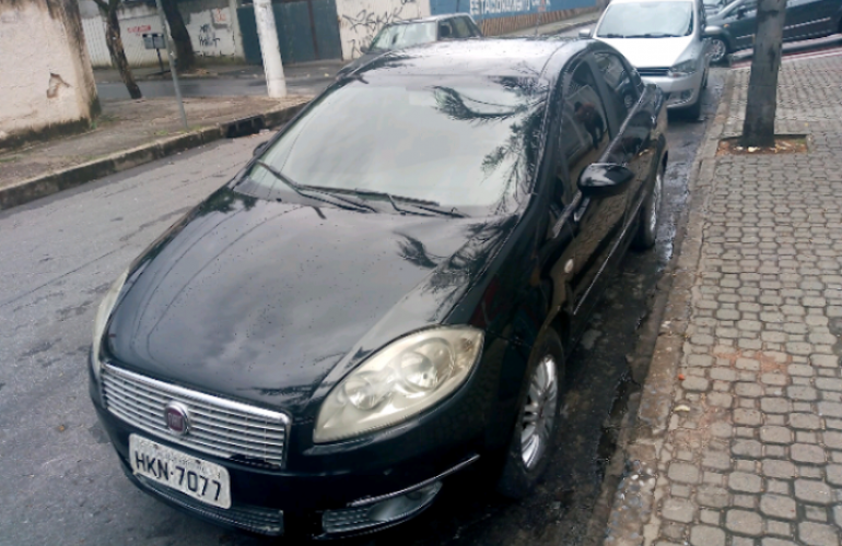 Fiat Linea LX 1.9 16V (Flex) - Foto #8