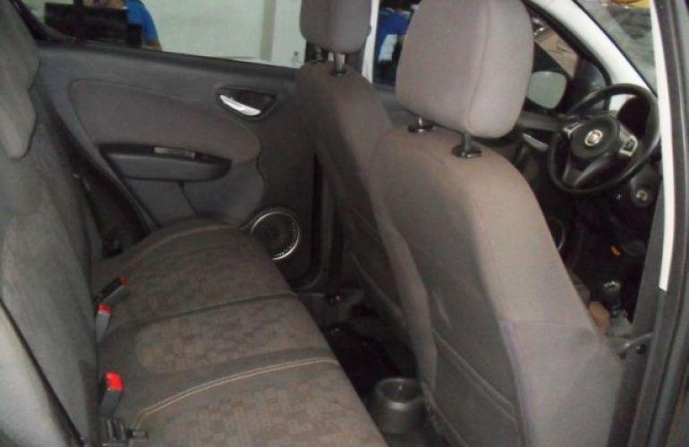 Fiat Palio Attractive Evo 1.4 Flex - Foto #7