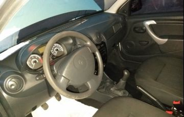 Renault Sandero Authentique 1.0 16V Hi-Flex - Foto #9