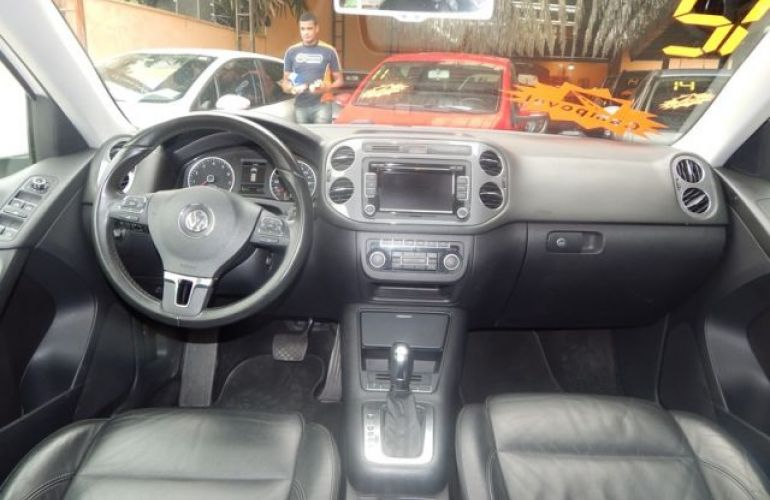 Volkswagen Tiguan TSI Tiptronic 2.0 16V Turbo - Foto #3