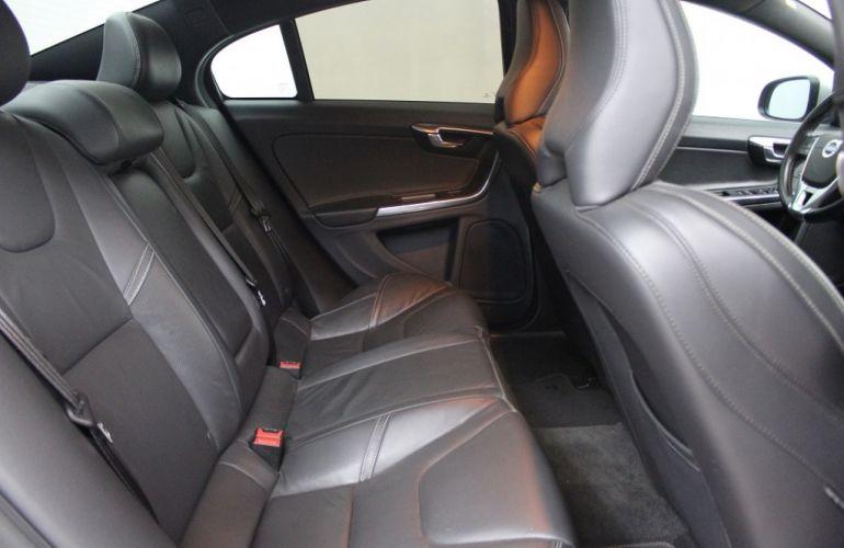 Volvo S60 3.0 T6 AWD R-Design (Aut) - Foto #6