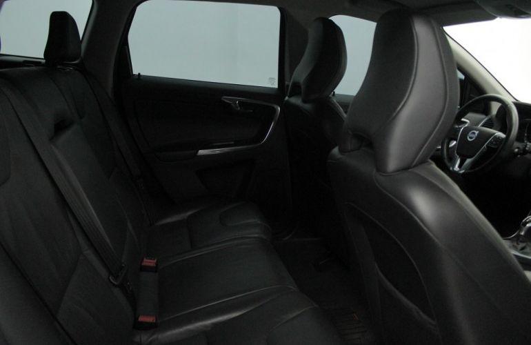 Volvo XC60 2.0 T5 Dynamic - Foto #5