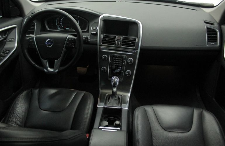 Volvo XC60 2.0 T5 Dynamic - Foto #6
