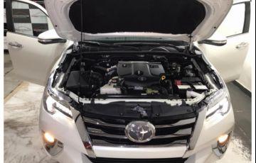 Toyota SW4 2.8 TDI SRX 7L 4x4 (Aut) - Foto #4
