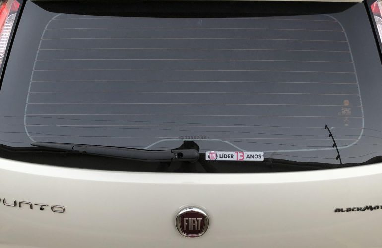 Fiat Punto BlackMotion 1.8 16V Dualogic (Flex) - Foto #4