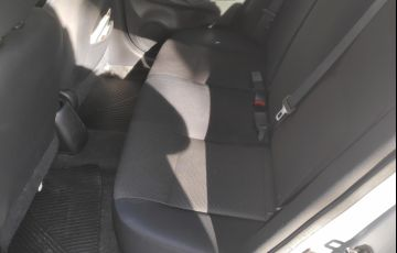 Nissan Versa 1.6 16V SV - Foto #4