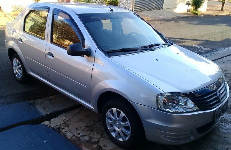 Renault Logan Authentique 1.0 16V (flex) - Foto #1