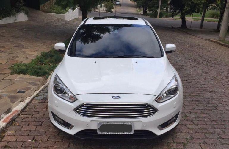 Ford Focus Hatch Titanium Plus 2.0 PowerShift - Foto #2