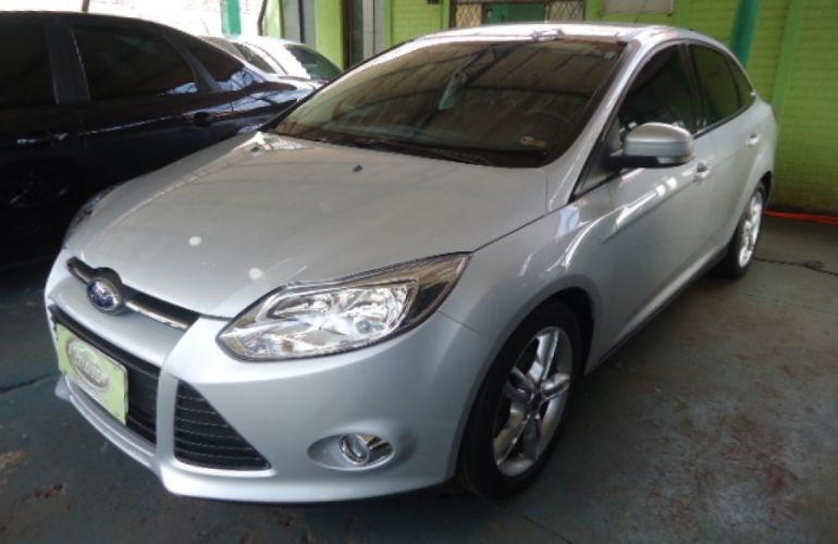 Ford Focus Sedan SE Plus 2.0 16V PowerShift (Aut) - Foto #4