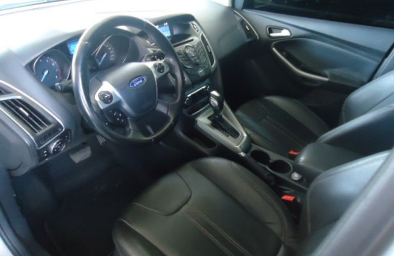 Ford Focus Sedan SE Plus 2.0 16V PowerShift (Aut) - Foto #7