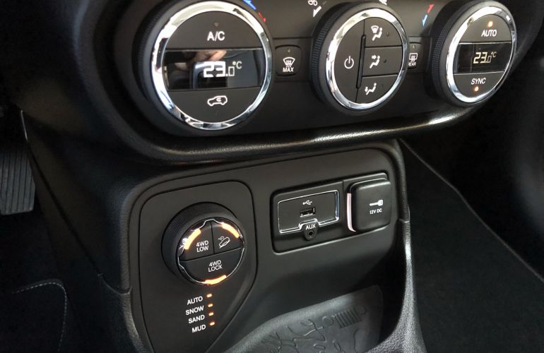 Jeep Renegade Longitude 2.0 TDI 4WD (Aut) - Foto #3