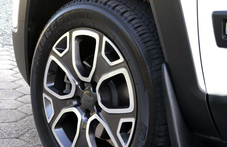 Jeep Renegade Longitude 2.0 TDI 4WD (Aut) - Foto #6