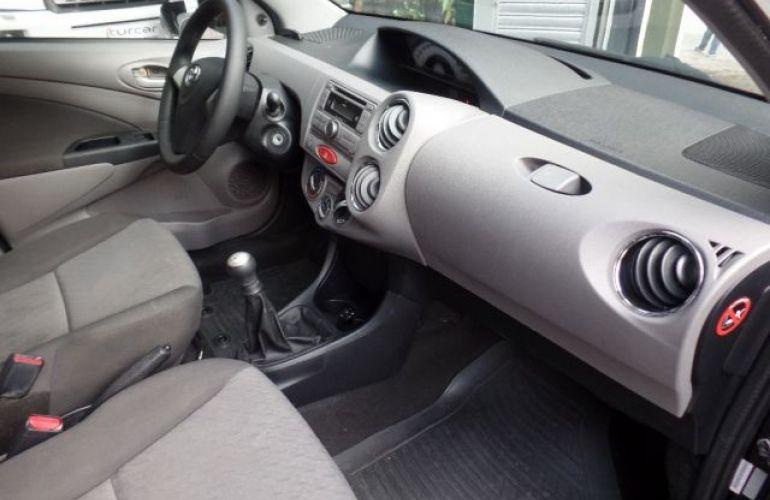 Toyota Etios Sedan XLS-MT 1.5 16V Flex - Foto #3