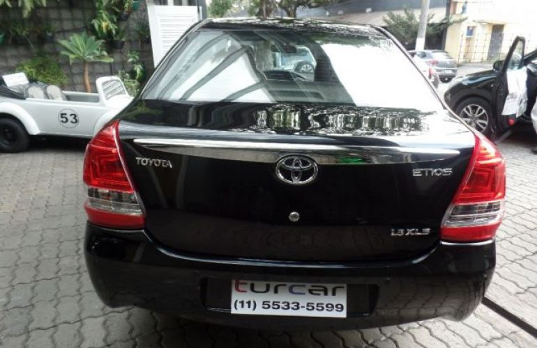 Toyota Etios Sedan XLS-MT 1.5 16V Flex - Foto #8