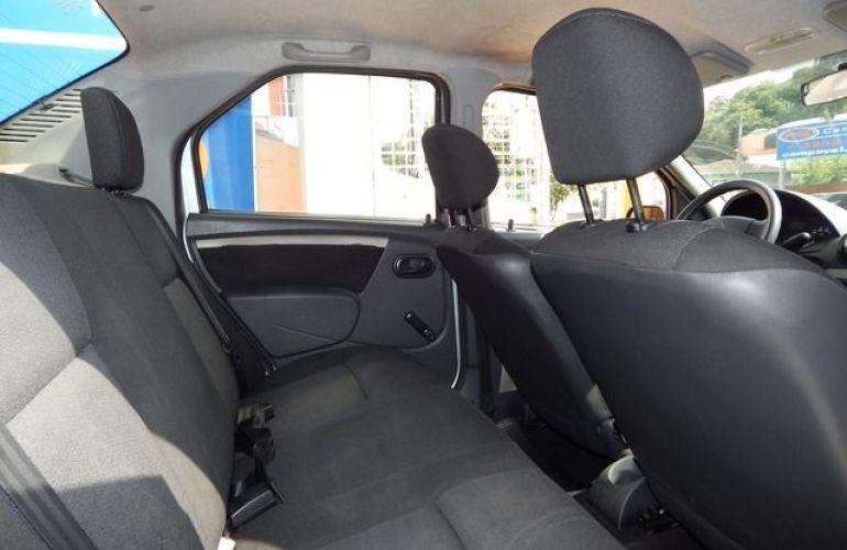Renault Logan Expression 1.6 16V Hi-Flex - Foto #4