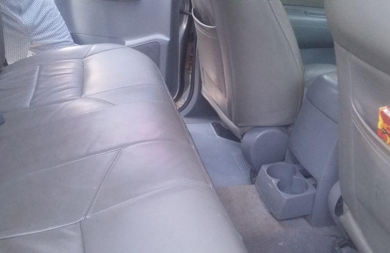 Toyota Hilux SR 4x4 3.0 (cab. dupla) - Foto #10
