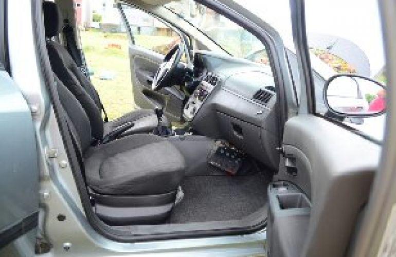 Fiat Punto 1.4 (Flex) - Foto #9