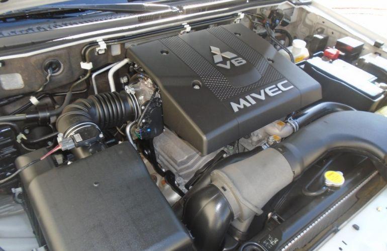 Mitsubishi Pajero Full HPE 3.8 3p - Foto #8