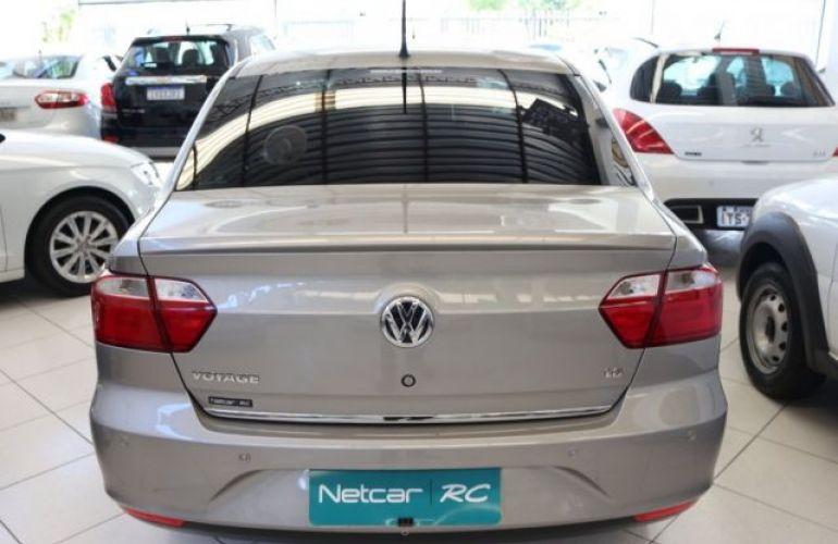Volkswagen Voyage Comfortline 1.6 Mi 8V Total Flex - Foto #4
