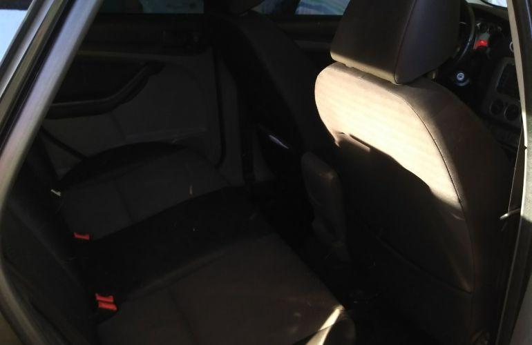 Ford Focus Hatch GL 1.6 16V (Flex) - Foto #4