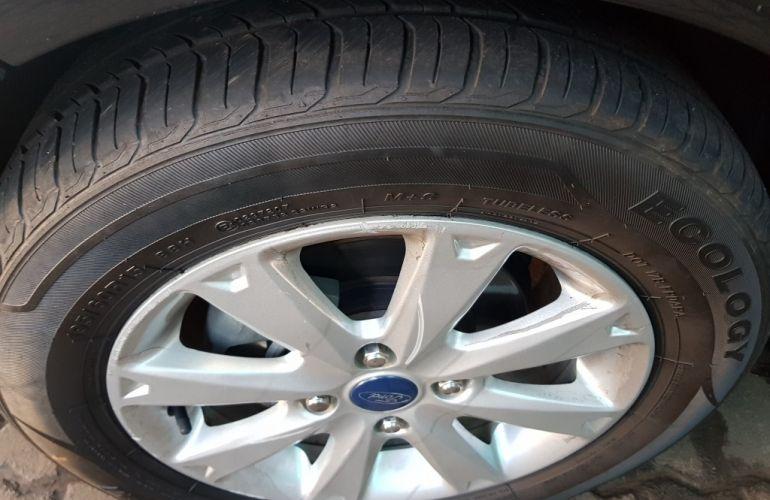 Ford New Fiesta Hatch SE 1.6 16V (Flex) - Foto #8