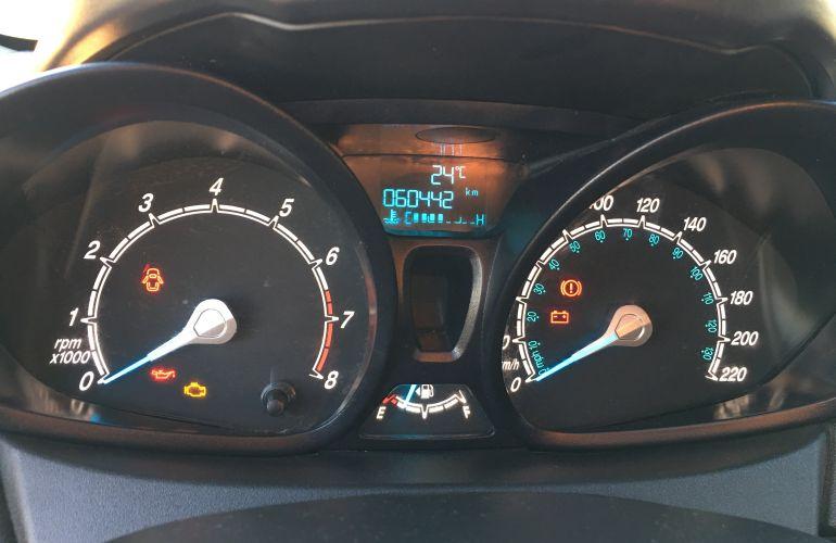 Ford New Fiesta S 1.5 16V - Foto #4