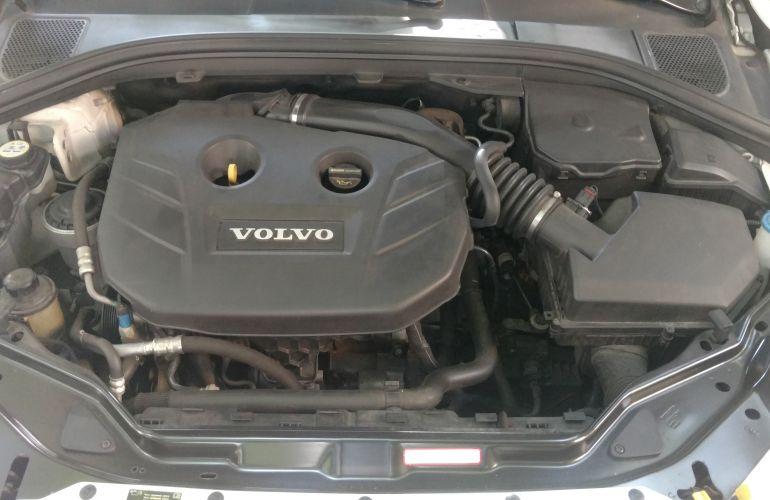 Volvo XC60 2.0 T5 Drive-E Dynamic - Foto #9