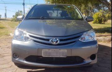 Toyota Etios Sedan X 1.5 (Flex) - Foto #2