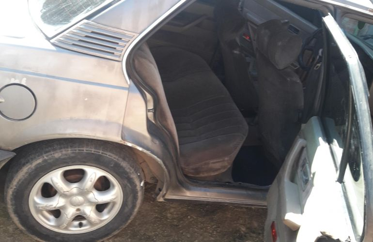 Chevrolet Monza Hatch SR 2.0 - Foto #8