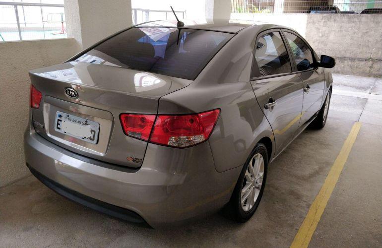 Kia Cerato EX 1.6 16V 6vel (ABS) - Foto #2