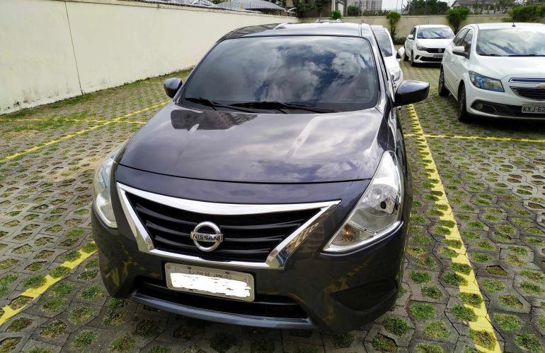 Nissan Versa 1.0 12V (Flex) - Foto #1
