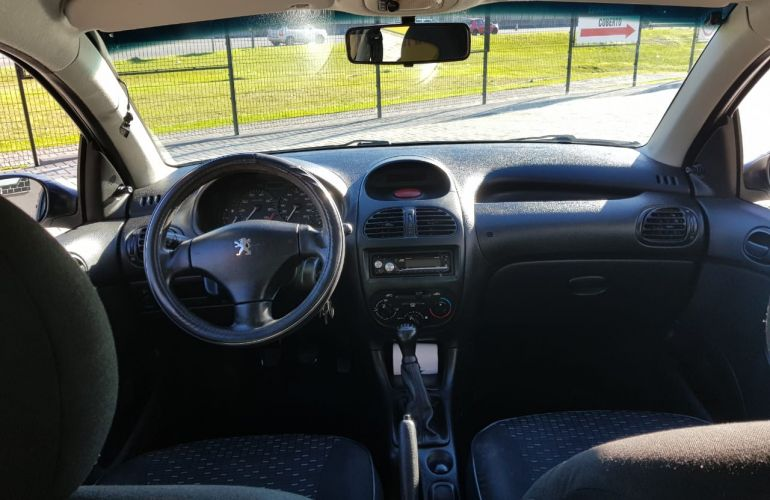 Peugeot 206 Hatch. Sensation 1.4 8V (flex) 2p - Foto #4