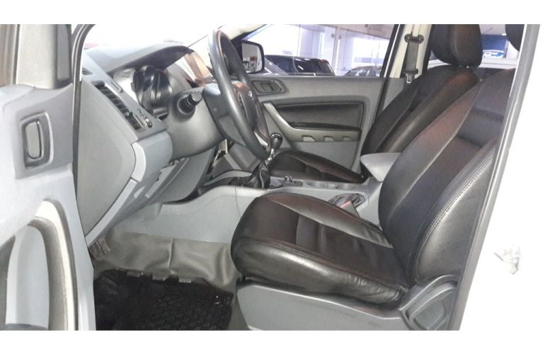 Ford Ranger 2.2 TD XLS CD 4x4 - Foto #7