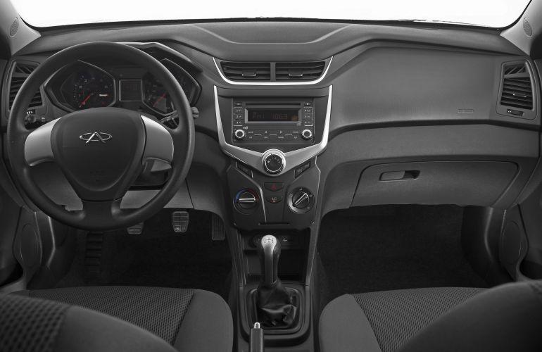 Chery Celer Hatch 1.5 16V ACT (Flex) - Foto #7