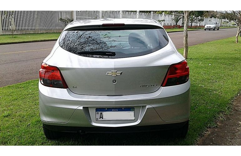 Chevrolet Onix 1.4 LTZ SPE/4 - Foto #9