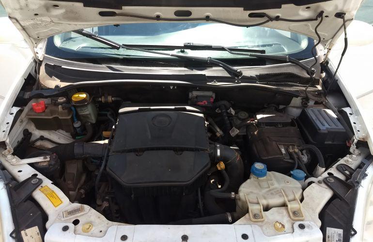 Fiat Linea Essence 1.8 16V (Flex) - Foto #6