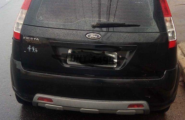 Ford Fiesta Hatch Trail 1.0 (Flex) - Foto #4