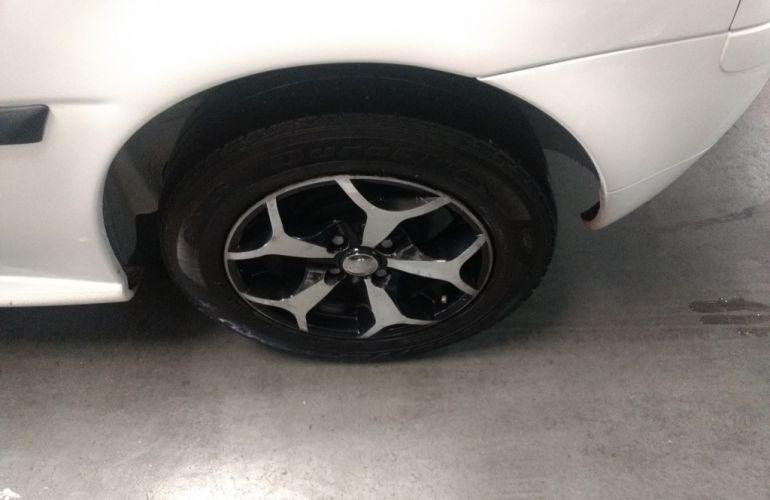 Volkswagen Gol 1.0 (G4) (Flex) - Foto #10