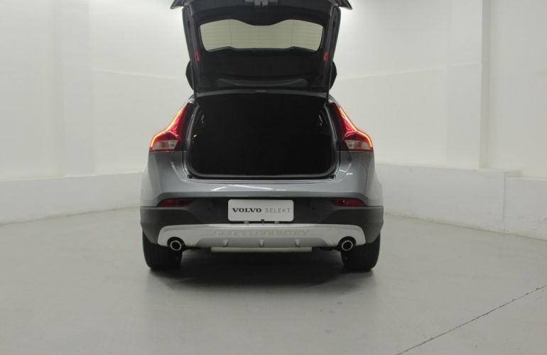 Volvo V40 2.0 T4 Cross Country - Foto #10