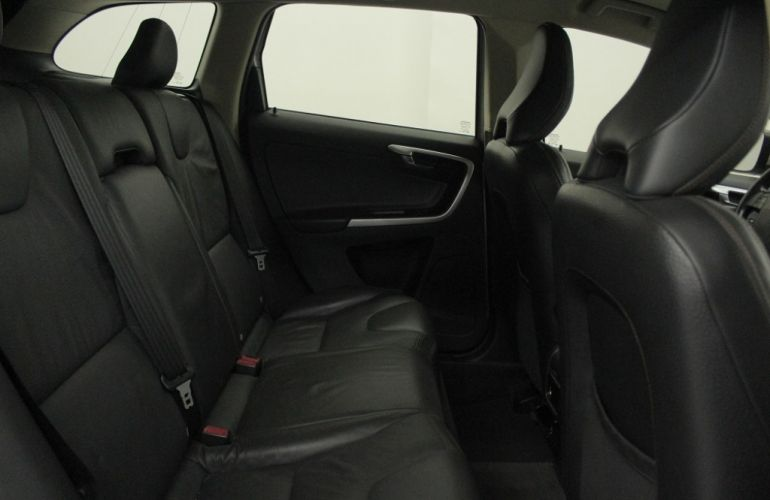 Volvo XC60 AWD 3.0 24V Comfort - Foto #6