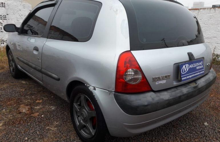Renault Clio Hatch. Authentique 1.0 8V - Foto #6
